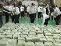 Exhiben 7.6 toneladas de coca�na incautadas en Per�