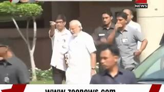 PM Narendra Modi reach out to media - ZEENEWS