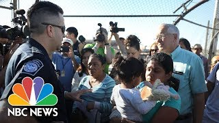 'At Capacity': Asylum Seekers Face Standoff At Border Between Ciudad Juarez And El Paso | NBC News - NBCNEWS