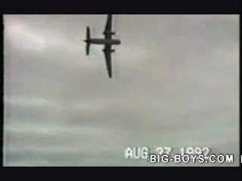 Accident de avion Fatal - DH4 Caribou cu comenzi blocate