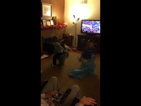 Crazy cousins dancing 2