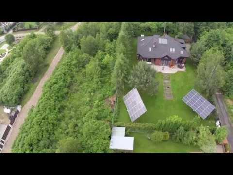 Śniadanie przy własnej elektrowni. Instalacja solarna w Chotomowie, widok z lotu ptaka