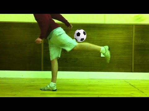 Reverse Dislocated Knee (Tutorial) :: Freestyle Football