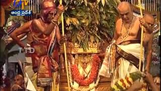 The Holy Brahmotsavams Started As Dwajaarohanam Performed In Tirumala - ETV2INDIA