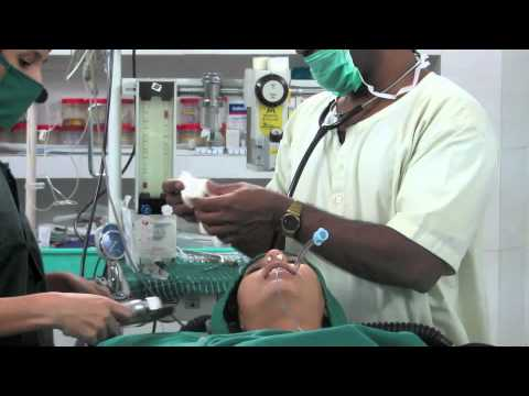 Intubation procedure -ZT_Y1HYxJQE