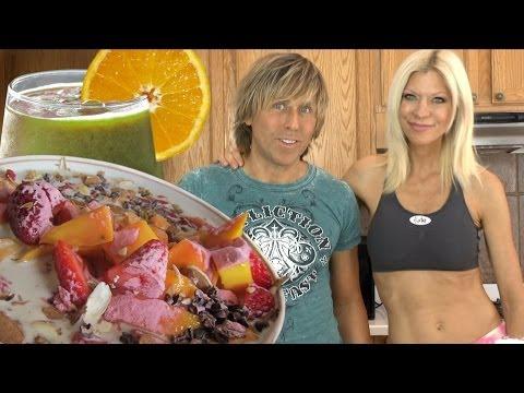 Super Healthy Fast Raw Food Breakfast with Markus Rothkranz, Cara Brotman