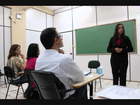 Apresentação de TCC: Tayenne Marrie de Carvalho