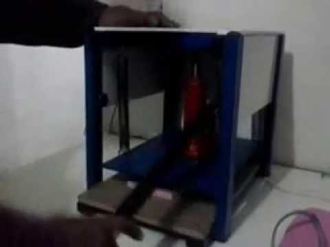 Maquina de Chinelos colocador de Tiras e Fresadora