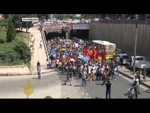 Andrew Finkel talks to Al Jazeera about the protests in Turkey