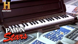 Pawn Stars: Keyboard Used by Three Dog Night (Season 7) | History - HISTORYCHANNEL
