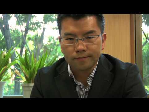 002 鳩山首相辞意を表明