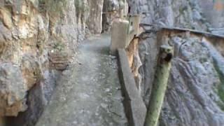 El camino más peligroso del mundo!!