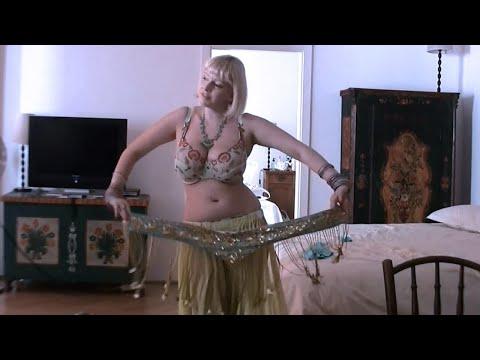 مش صافيناز .رقص شرقي مصري .Sexy Belly Dance - عرب توداي