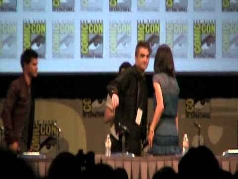 """Twilight Breaking Dawn"" panel at 2011 Comic-Con - part 3"