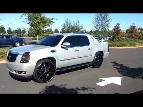 CADILLAC  ESCALADE EXT ON 28'S