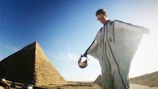 قفزة تاريخية فوق أهرامات الجيزة