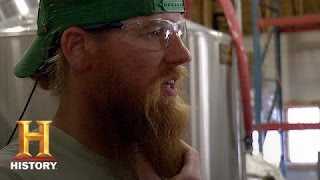 Dark Horse Nation: Root Beer  (S1, E6) - HISTORYCHANNEL