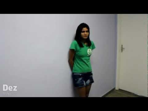 Mulher é presa acusada de matar o namorado a facadas em Manaus