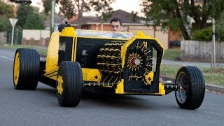 Este hombre fabricó un automóvil 100% de lego,corre con aire