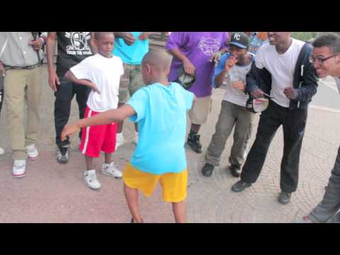 Young Kids Dance Battle In Harlem NYC! (worldstarhiphop)