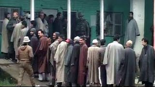 Voters brave the cold to vote in Jammu and Kashmir; polling in Jharkhand too - NDTVINDIA