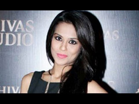 Sana Saeed as Desi Item Girl | Hot Latest News | Jhalak Dikhlaja | Kuch Kuch Hota Hai | Sexy Photo