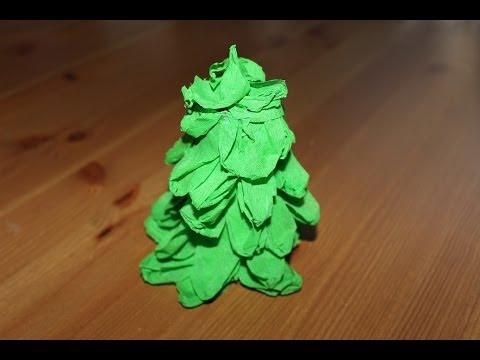 Cómo hacer un árbol de navidad de papel crepé | facilisimo.com