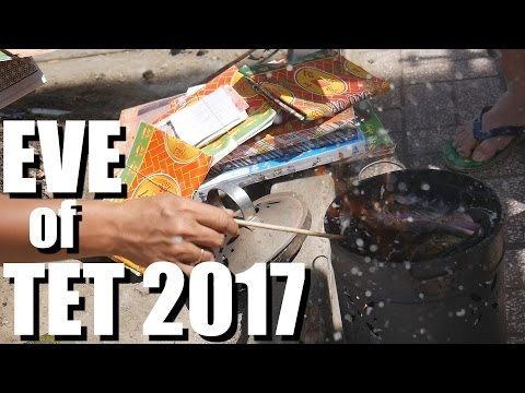 TET VIETNAM EVE 2017: Vietnamese Lunar New Year VLOG 2