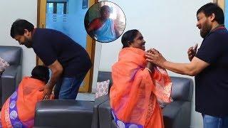 Village Singer Baby Meets Mega Star Chiranjeevi's Family | A Pure Fan Moment | TFPC - TFPC