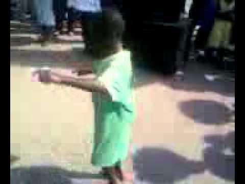 Ghana Shashee Azonto dance by 6 year old