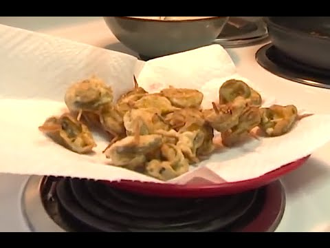 Deep Fried Pickles & Jalapeños (Delicious Trailer Park Cooking Recipes)