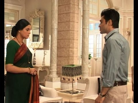 Iss Pyaar Ko Kya Naam Doon : Shlok, Aastha missing - Bollywood Country Videos