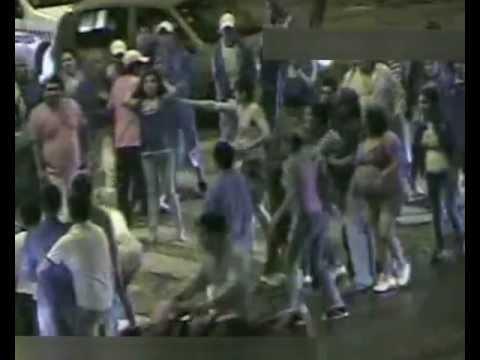 Las cámaras filman una violenta pelea entre mujeres a la salida de un boliche