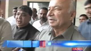 Sushilkumar Shinde threatens while Mohan Babu assaults TIMES NOW reporter - TIMESNOWONLINE