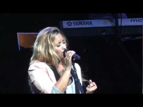 "Demi Lovato - ""Lightweight"" and ""Skyscraper"" (Live in Del Mar 6-12-12)"