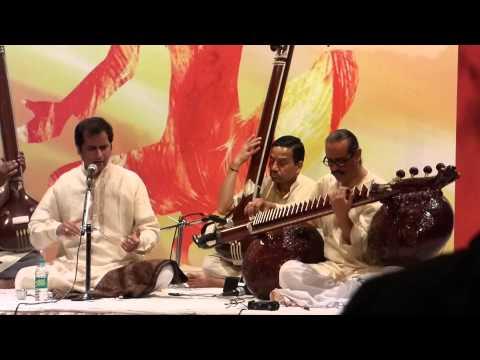 veena vocal dhrupad jugalbandi-pt.uday bhawalkar and ustad bahauddin dagar,raag chandrakauns,part 1