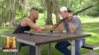 Swamp People: Jay and Chase Compare Their Favorite Guns (Season 9) | History - HISTORYCHANNEL