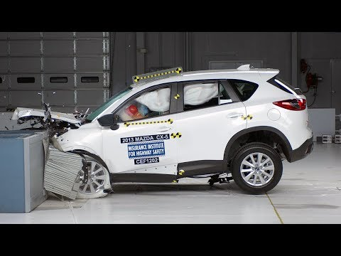 2013 Mazda CX-5 frontal offset test