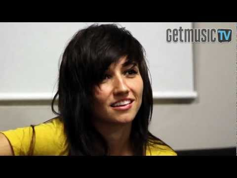 LIGHTS 'Everybody Breaks A Glass' Acoustic Session