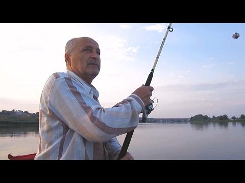 ловля рыбы макушатником видео