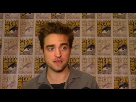 Robert Pattinson Interview - 2012 Comic Con