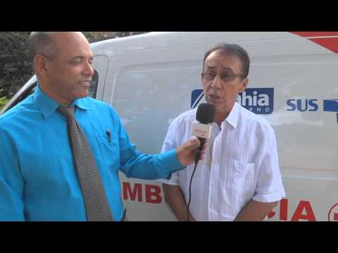 Medeiros Neto recebe nova ambulância do Samu