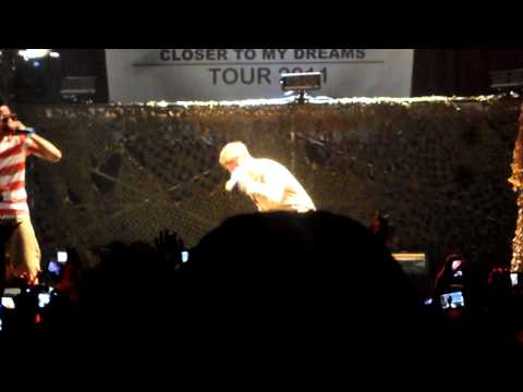 Justin Bieber & Lil Twist Wind it live @ House of Blues 7/10/11