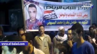 بالفيديو.. قيادات بالقوات المسلحة ومجلس مدينة 'منية النصر' يتلقيان العزاء فى شهيد سيناء