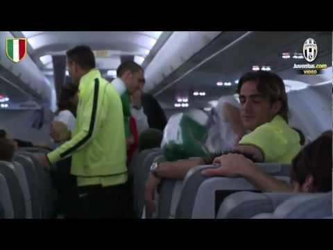 Il ritorno in aereo della Juventus campione – Juventus champions fly home