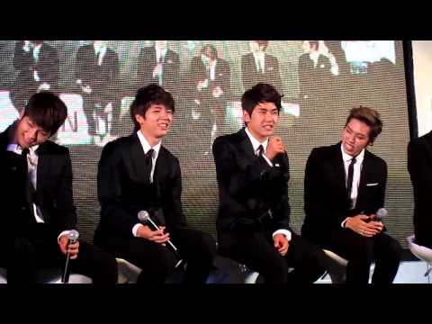 (Fancam) 120727 Dongwoo speak Thai So cute!! @ Siam Paragon  Cr. @foamflorence