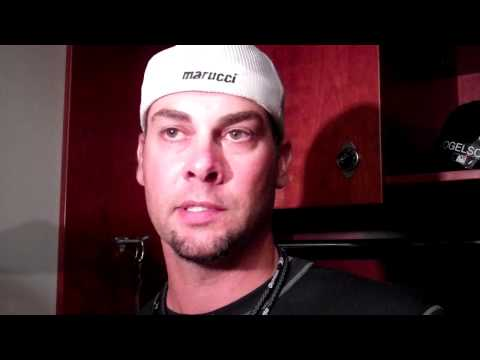 "Ryan Vogelsong on fracturing hand: ""It stinks"""