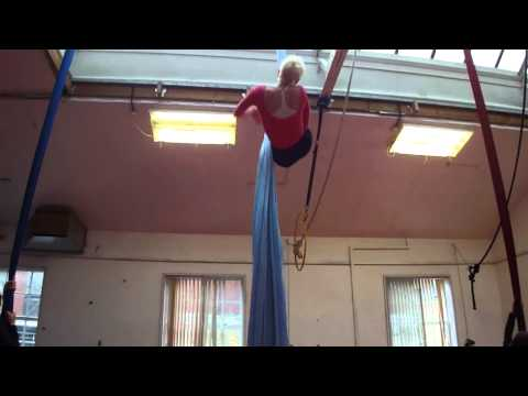 Aerial Silks - Mobile Pose to Catchers Drop