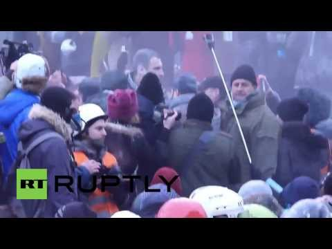 Ukraine: Opposition leader Klitschko attacked during riot