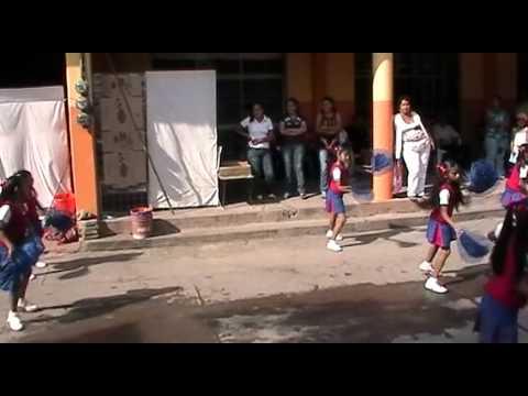 zirandaro televisión guachitas bailando rabiosa en desfile zirandaro guerrero